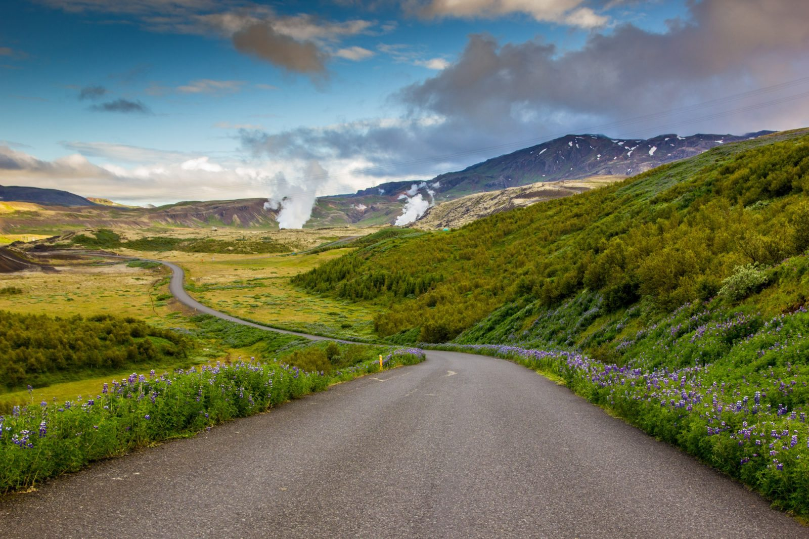 Road to Thingvellir national park Iceland