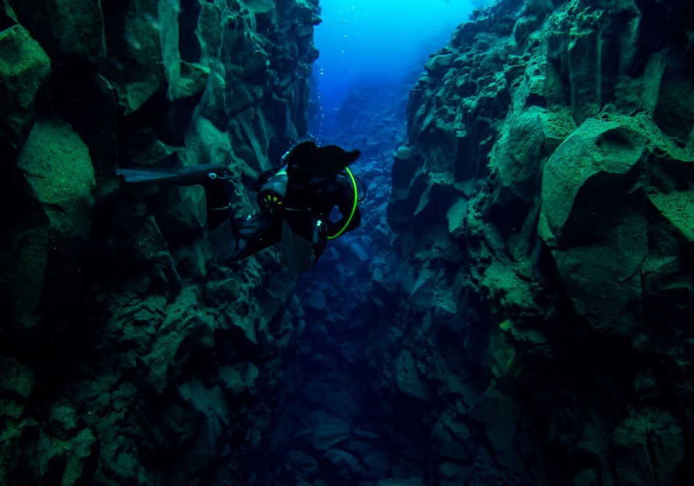 diving tour in Iceland, diving between the tectonic plates, diving between the continents, scuba diving in Iceland
